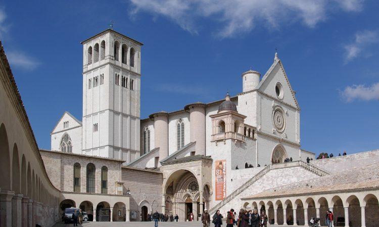 Umbria: borghi, verde, arte e religione